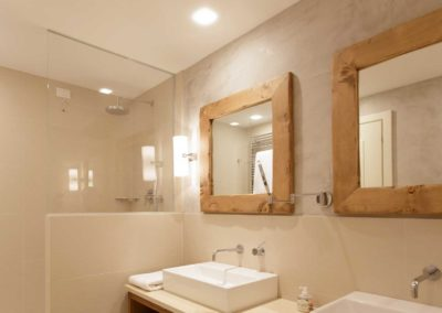 bathroom-venitzio-venetian-plaster-vancouver
